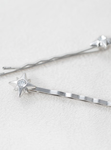 BP-2773 4pt STAR w/clear stones